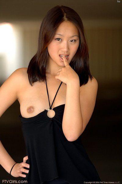 Này hơn Hơn đẹp Châu á Babe Evelyn Lin cho phép những máy quay phải bắt được cô ấy sự thanh thản