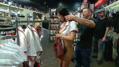 японский шлюха Марика это пристыдил в в взрослый магазин в Перед из а Группа из Роговой ГУ