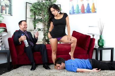 procace Asiatico Jessica Bangkok è facesitting uno uomo e permettendo un altro Per cazzo Il suo Beaver