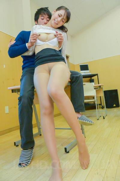 Dirty junge student Yui Oba bekommt Ihr Rasiert Schlitz gerammt Hardcore in die Klassenzimmer