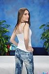Zarena Los veranos Consigue su Coño masajes y propiedad después de Que Babe quita su azul jeans y rosa bragas