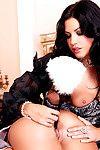 sexy et adolescent Lesbiennes chaudasses Avec Juste droit Mégots sont donner du plaisir chaque d'autres Avec jouets