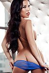 Chinese girl in underclothes Thuy Li is the approximately everyone fairy-like illustration in the world
