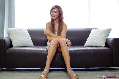 Luring sensual model Kaylee Fogginess demonstrates herself naked!