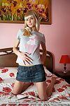 Skinny teenage minx Alicia enjoys buccaneering down surpassing the purfling limits